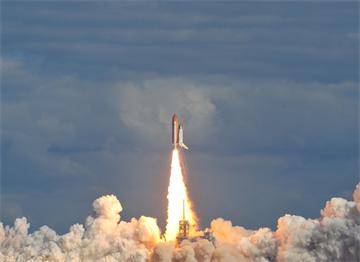 Uzay Mekiği Atlantis Kennedy Uzay İstasyonu'ndan Havalanıyor