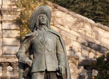 Auch Gaskonya'da D'Artagnan Heykeli