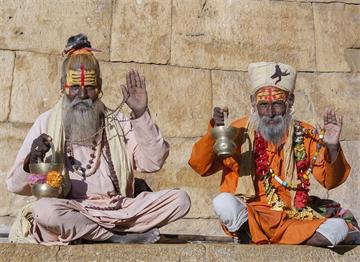 Rajastan'da İki Kutsal Adam-Sadular