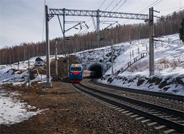Baharda Trans-Sibirya Hattı