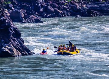 Ganj Nehri'nde Rafting